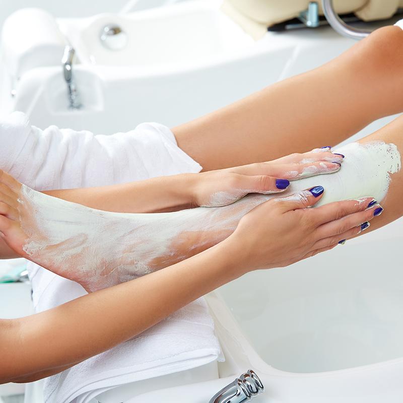 Scrub behandeling bij Pedicure Vleuten